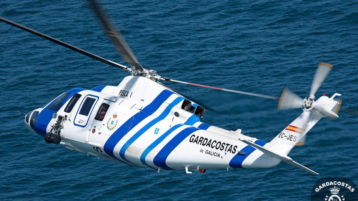 Buscan a un tripulante desaparecido tras el hundimiento de una embarcación en la ría de Pontevedra
