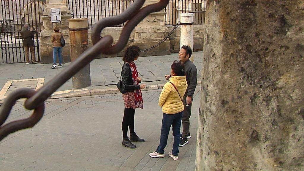 """Coronavirus versus turismo: """"Tengo compañeros que me han dicho que como esto no remonte en un mes, tendrán que cerrar"""", Clara Leal, guía oficial de chino"""