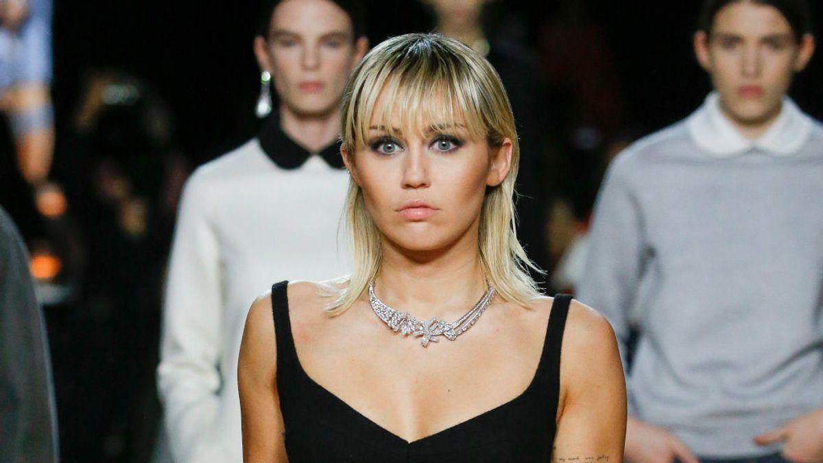 Miley Cyrus desfiló por sorpresa para Marc Jacobs en la Fashion Week de Nueva York