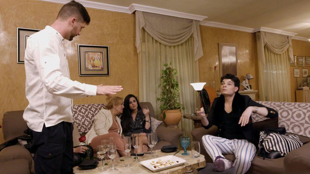 """Los invitados no aguantan las mentiras de Víctor y Sergio le expulsa de su casa: """"Ese esguince es falso"""""""