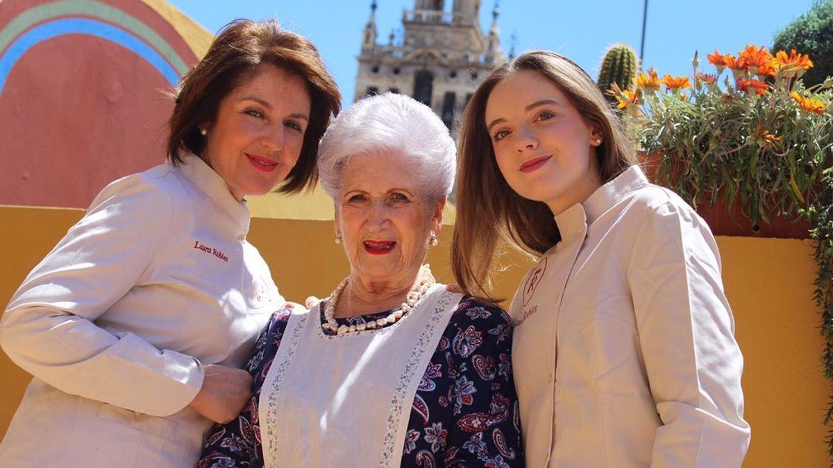 """Una joven sevillana recauda 4.000 euros para una ONG con un libro de recetas 'de abuela': """"Un potaje de lentejas es algo que todo joven debería saber hacer"""""""