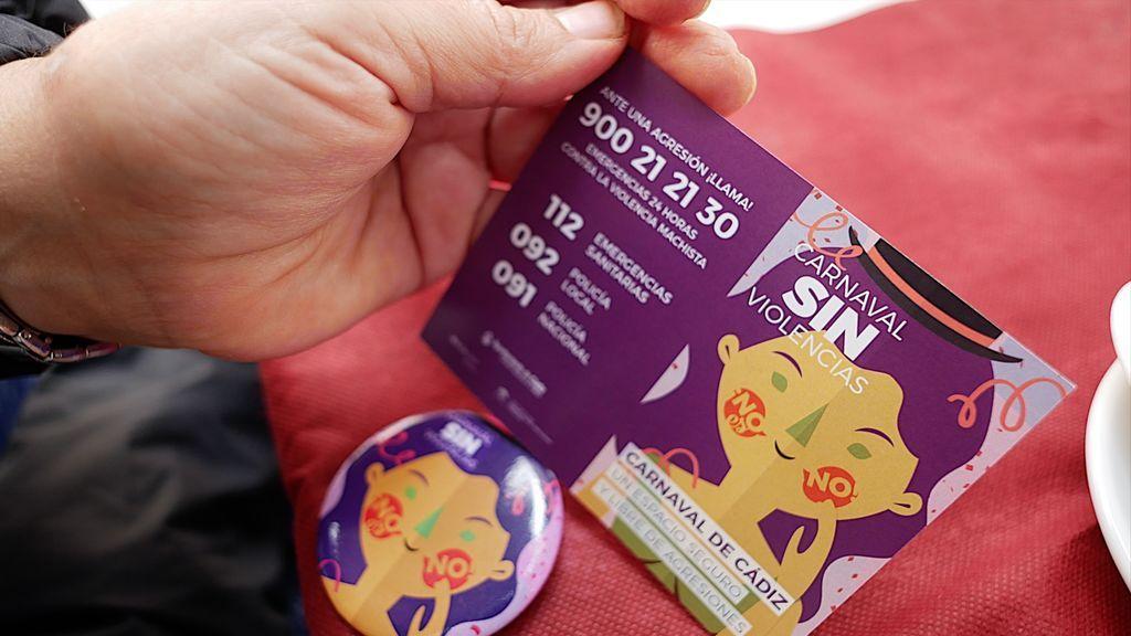 Chapas y tarjetas de la campaña