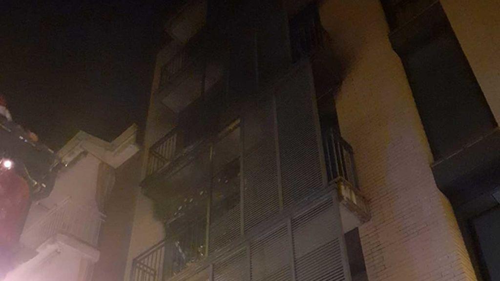 Una mujer en estado crítico en un incendio en Girona