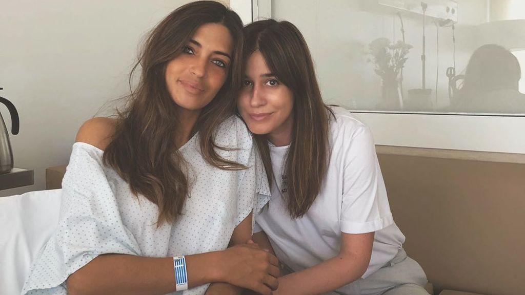 """El mensaje de amor de Sara Carbonero a Isabel Jiménez con un recuerdo de su estancia en el hospital: """"No me has soltado la mano"""""""
