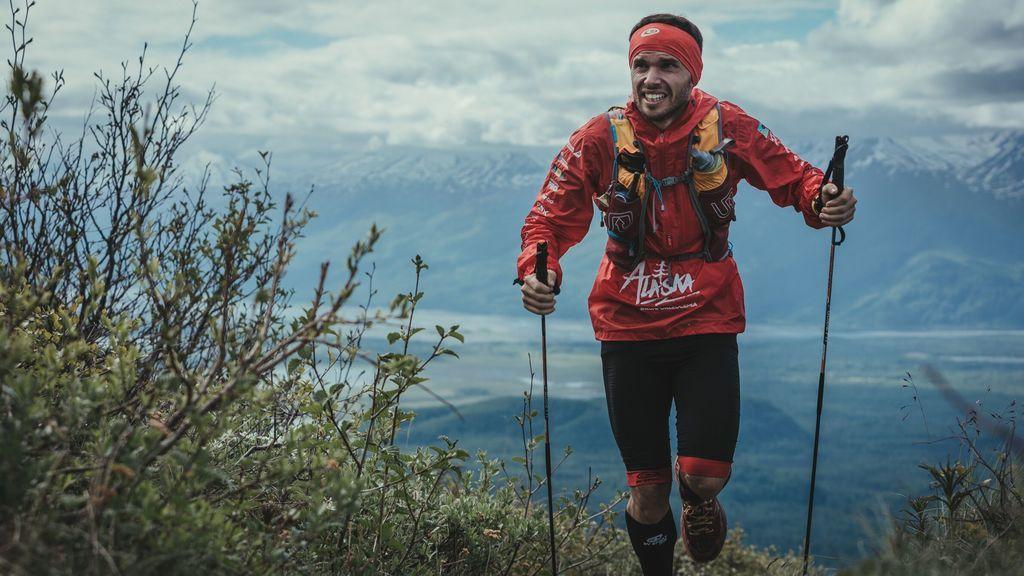 Marcos corre en solitario Alaska e Islandia en busca de nuevos donantes de médula