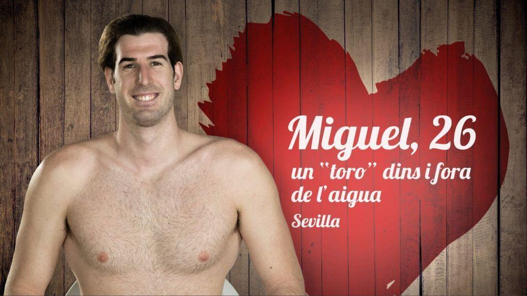 El club de natación más romántico: los jugadores de waterpolo que buscan pareja a lo 'First Dates' por San Valentín