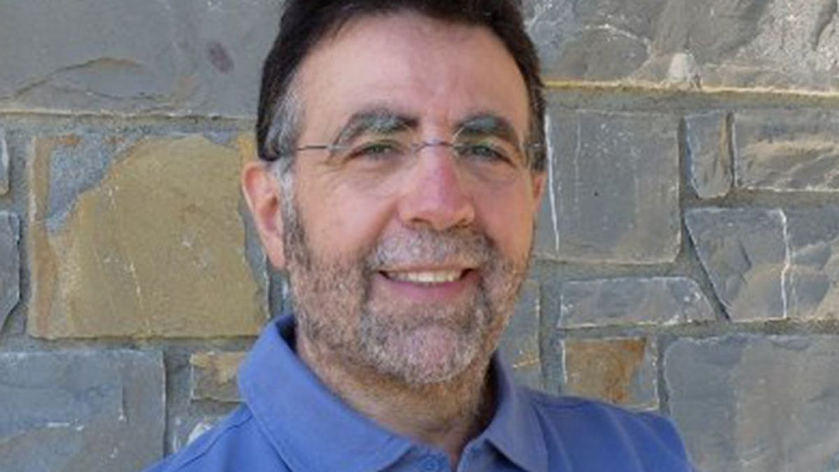 José Ramón Ubieto, psicólogo, sobre el móvil en las aulas: