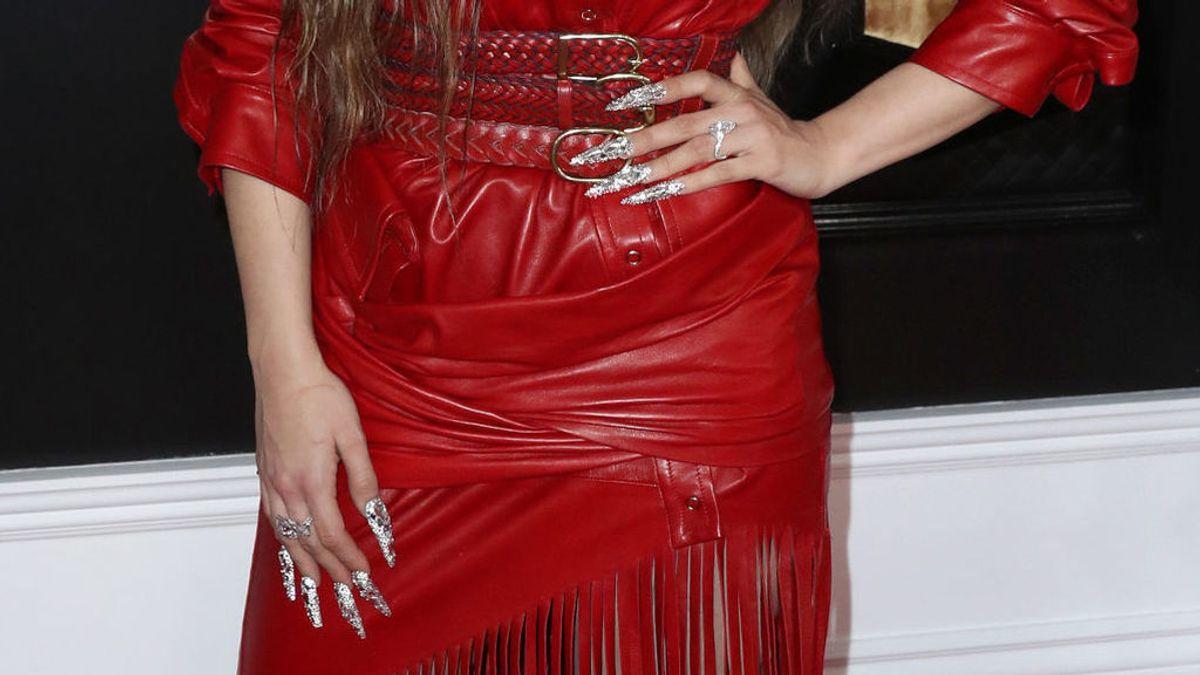 Rosalía usa sus uñas como castañuelas para sorprender a sus seguidores