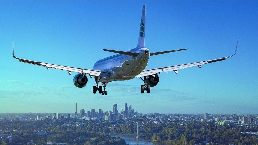 Viajar en avión: los mitos y verdades más importantes que deberías conocer