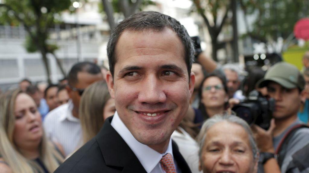 El 'embajador' de Guaidó dice que no hay contradicción en considerarle presidente encargado y líder de la oposición