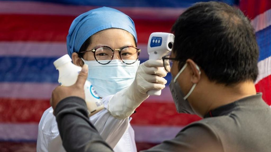 China publica la cifra actualizada de muertos por coronavirus:  Son 1.380 y  más de 10.000 enfermos  están graves