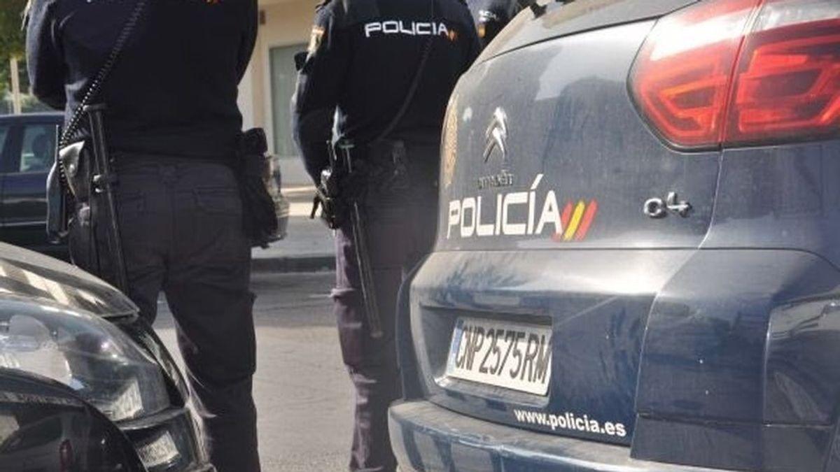 450 agentes participan en una macroredada contra el menudeo de drogas en el distrito madrileño de Usera