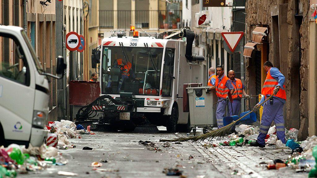 Recogen más de ocho toneladas de basura tras el Carnaval de Las Palmas