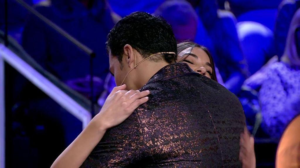 """Kiko se entera en directo que Estela y Diego han roto: """"Dame un abrazo"""""""