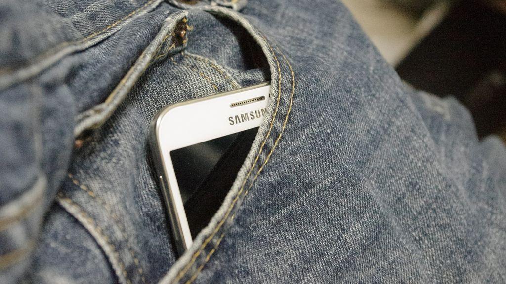 Sufre una quemadura de segundo grado en el glúteo tras explotar su móvil cuando lo sacaba del bolsillo