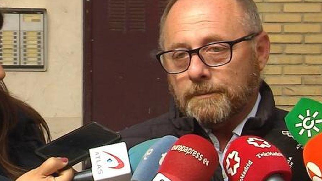 """El padre de Marta del Castillo pide """"investigar también la anterior hipoteca de la calle Tharsis"""""""