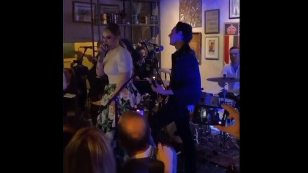 """Adele revela la fecha de su nuevo disco en una boda: """"¡Esperad mi álbum en septiembre!"""""""