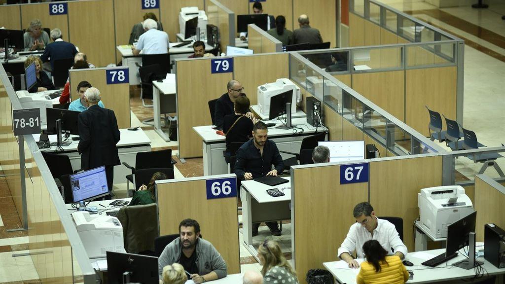 La brecha salarial de género en las administraciones públicas alcanza el 14%, según UGT