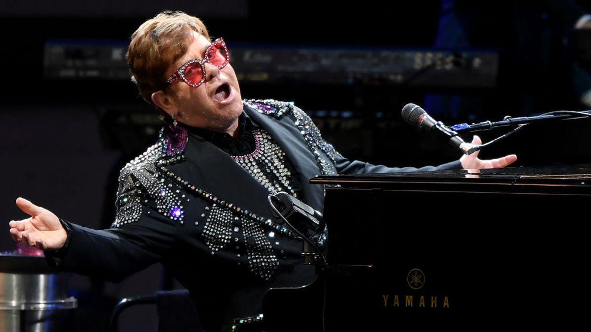 """Elton John abandona un concierto por neumonía: """"Toqué y canté con todo mi corazón, pero mi voz no podía más"""""""