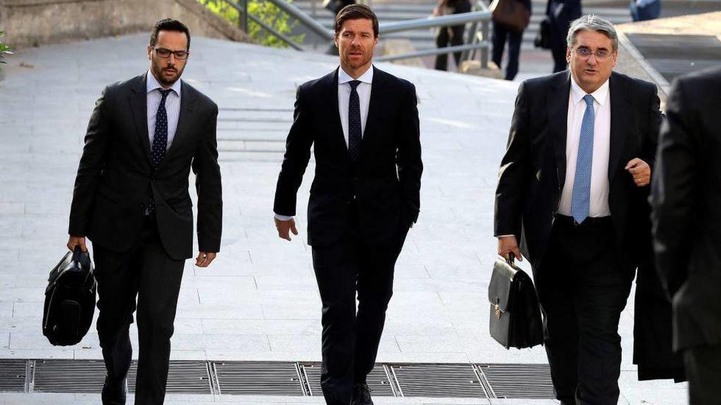 Nueva querella contra Xabi Alonso por no pagar  840.017 euros en impuestos en 2014