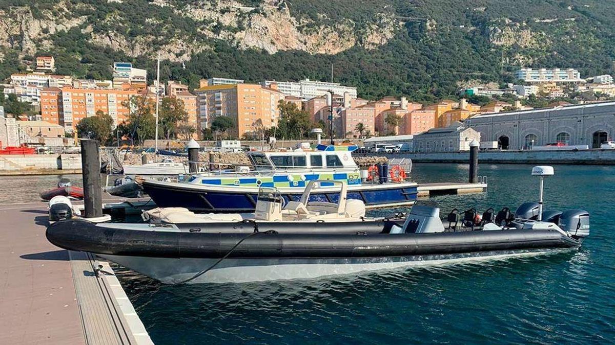 Cuatro españoles detenidos en Gibraltar a bordo de una embarcación por contrabando de gasolina