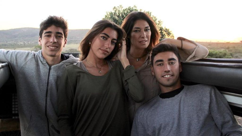 """Raquel Revuelta habla tras la muerte del padre de sus hijos: """"Con tanto amor se hacen más llevaderos los días"""""""