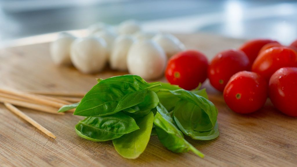 Un nuevo estudio refleja que la dieta mediterránea es la número uno para las personas mayores