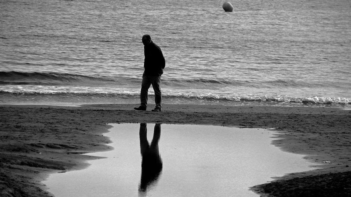 El número de personas que viven solas aumenta en un millón en 10 años