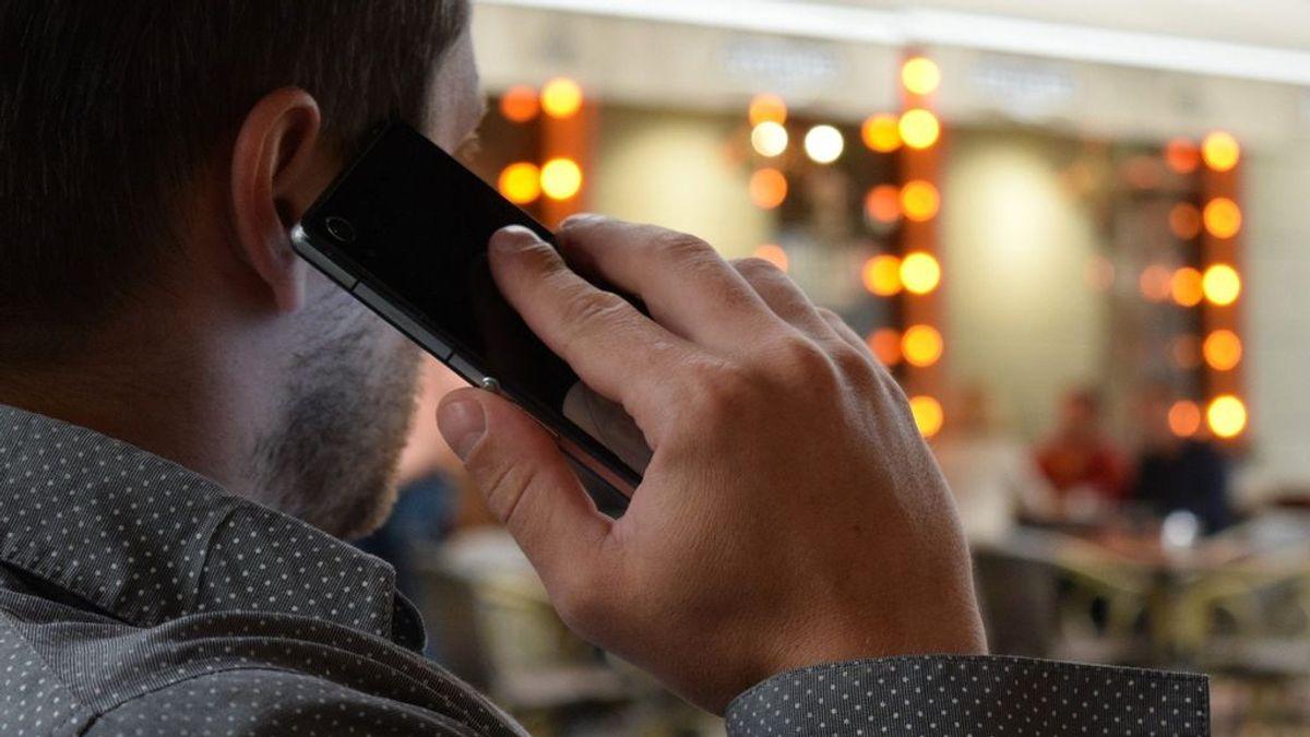 La OCU advierte sobre el timo de la 'doble llamada': el último intento de estafa en telefonía