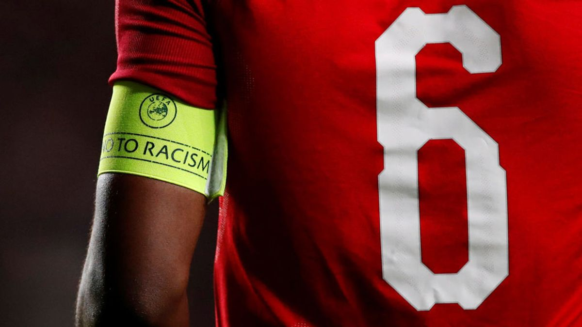 La lección contra el racismo de los aficionados de fútbol en Alemania