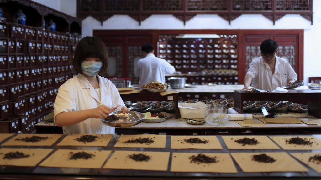China recurre a su medicina tradicional para luchar contra el coronavirus