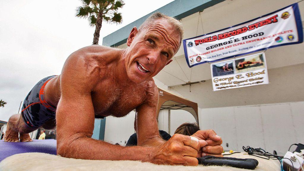 Nuevo récord Guinness de plancha de abdominales a los 62 años y tras más de 8 horas sin parar