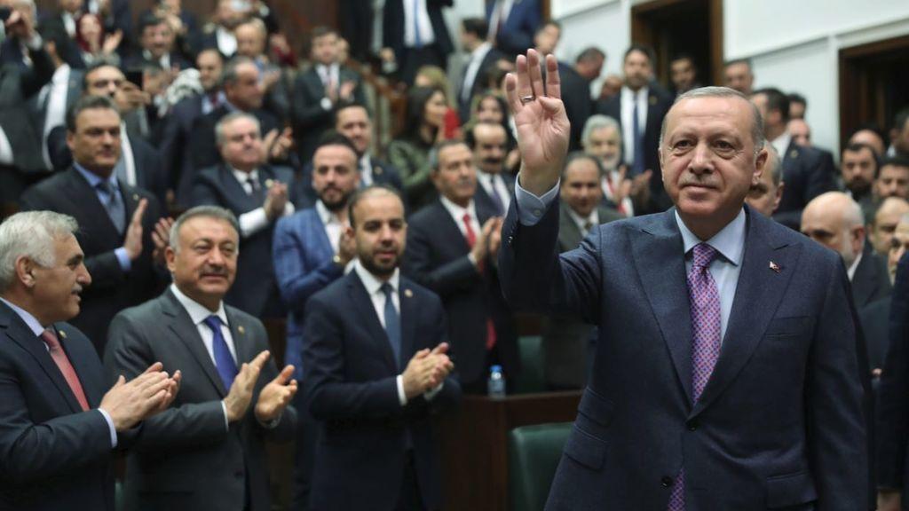Erdogán amenaza con intervenir en Siria de forma inminente