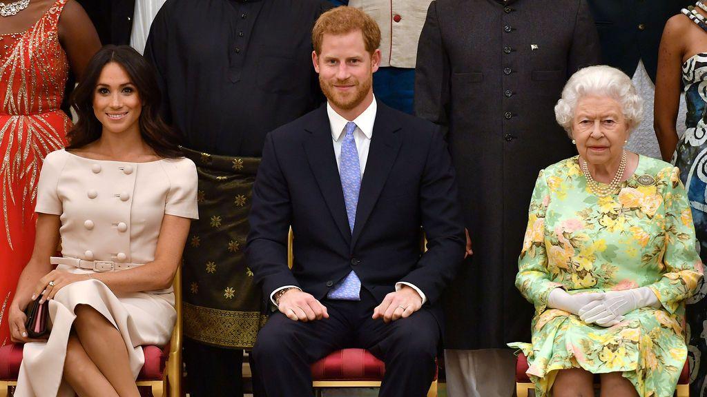 La reina Isabel II prohíbe a Meghan Markle y Harry usar la marca 'Sussex Royal'