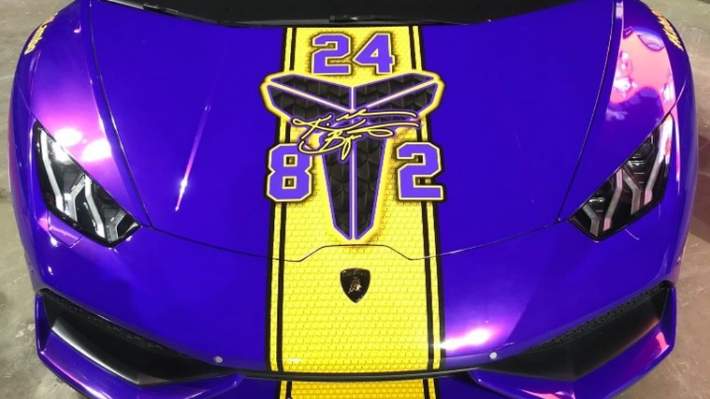 Tunea su Lamborghini para rendir homenaje a Kobe Bryant y ahora lo pone en venta