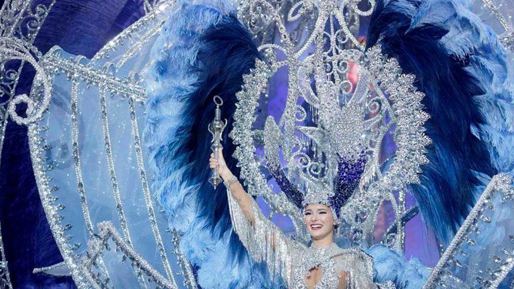 Sara Cruz Teja, la  nueva reina del Carnaval de Tenerife, logra su sueño por su abuela, enferma de Alzheimer