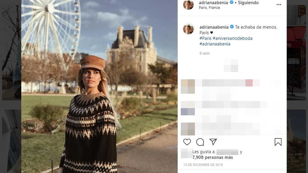 Adriana-Abenia,-durante-su-viaje-en-París