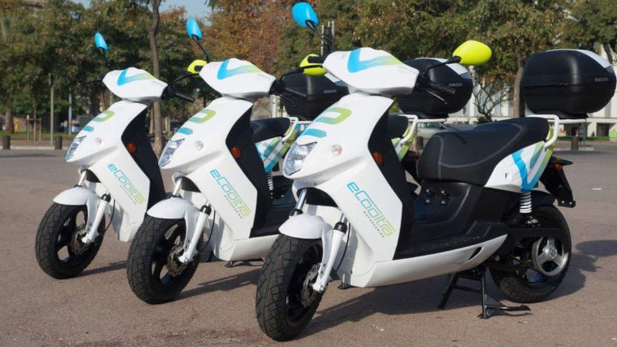 Caos ante la regulación de licencias de 'motosharing' de Barcelona