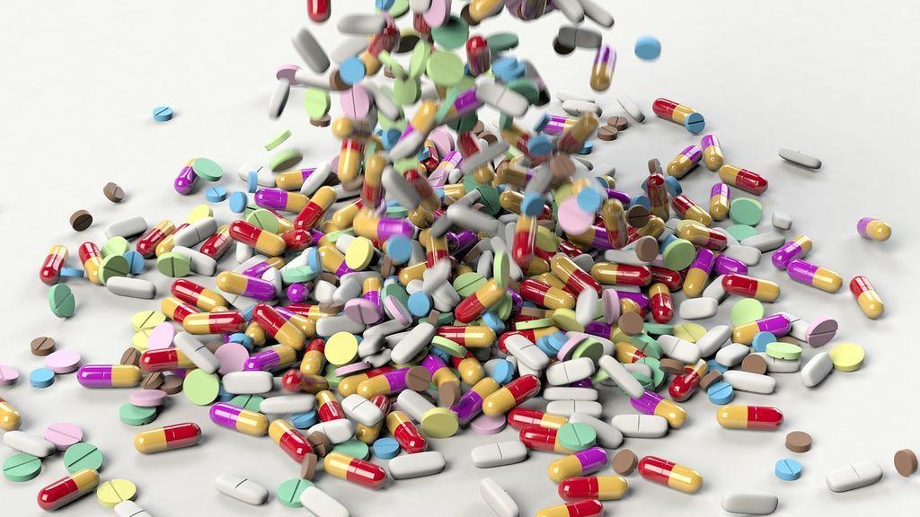 Cuidado con los medicamentos y el volante: con algunos puedes dar positivo en un control drogas