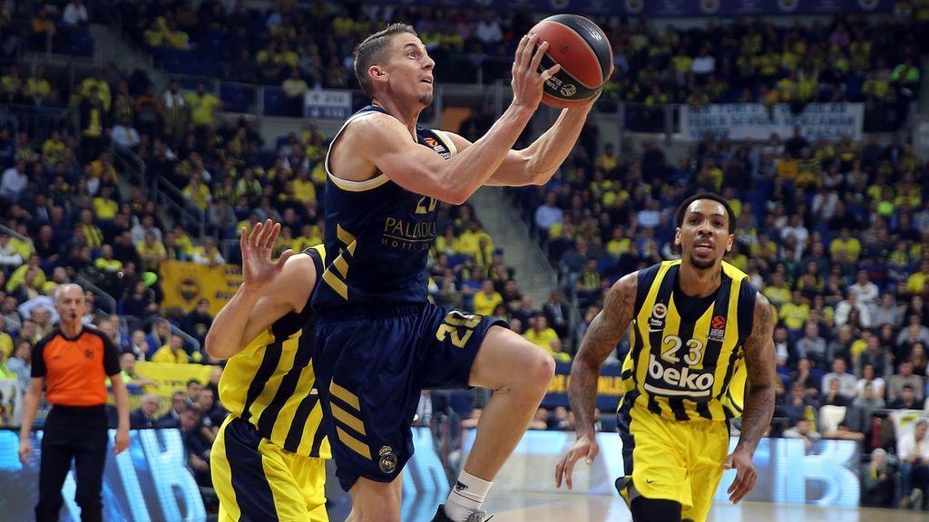 El Madrid aplasta al Fenerbahçe y sigue lanzado en Europa