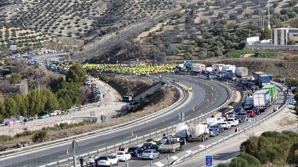 """La Guardia Civil multa a los olivareros que se manifestaron en Jaén:  """"estamos perplejos"""""""