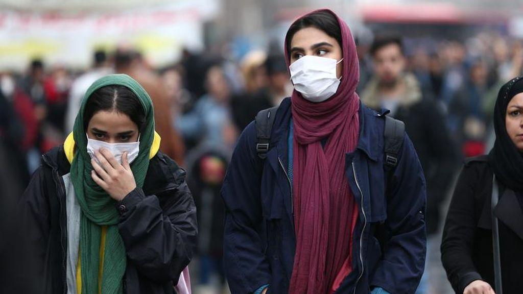 Enfrentamientos entre la Policía y manifestantes en Irán por la respuesta del Gobierno al coronavirus