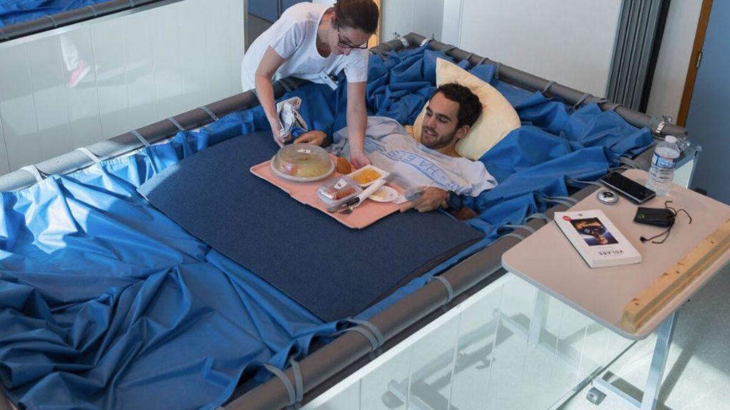 Se buscan voluntarias para pasar cinco días acostadas en camas de agua