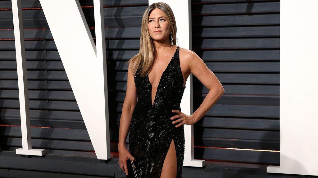 El entrenador de Jennifer Aniston publica su rutina de entrenamiento para tener esos abdominales a los 51