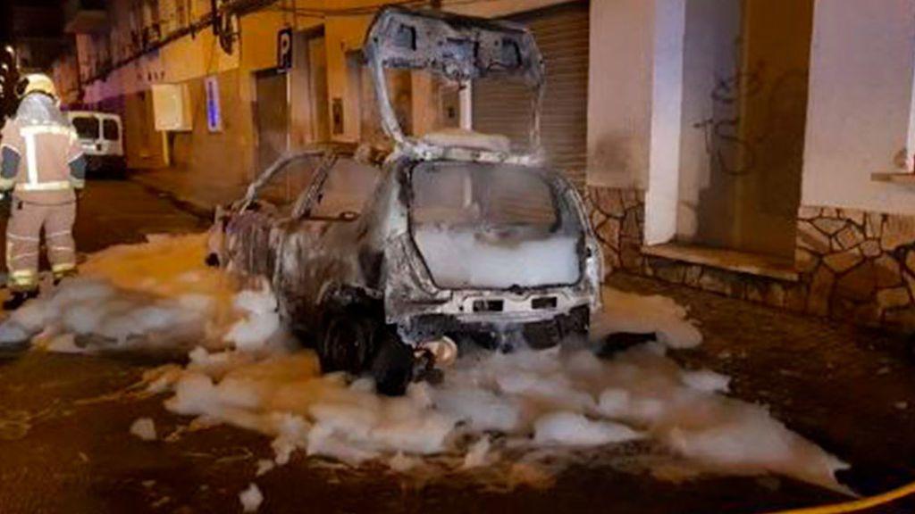 Vox denuncia la  quema del coche de su concejal en la localidad catalana de Salt