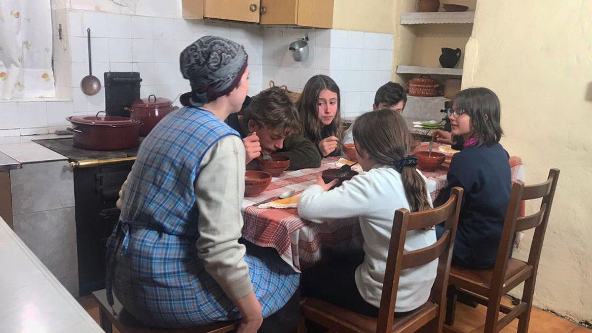Cinco días viviendo como sus abuelos: la aventura de unos escolares en una aldea de Ourense