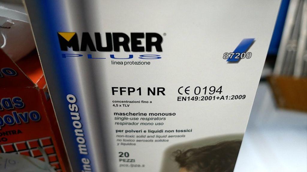 Mascarillas FFP1 en una ferretería industrial