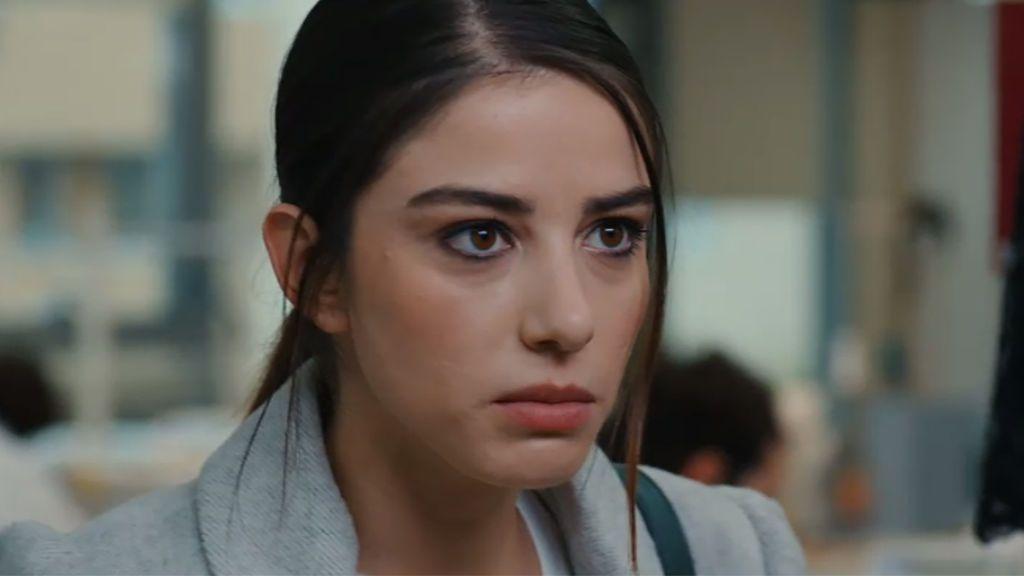 Öykü descubre que los vestidos del desfile no están