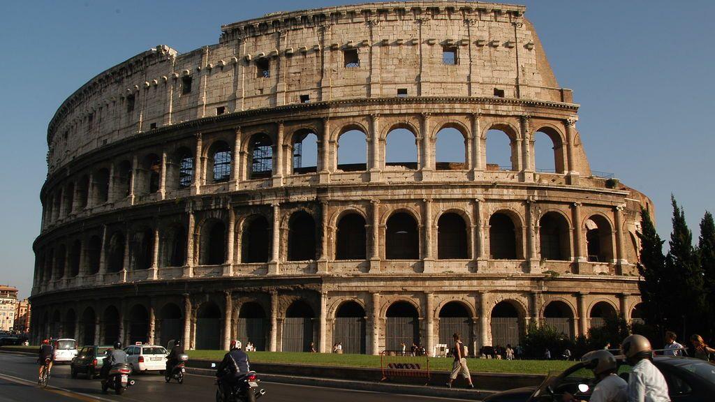 Crece el debate entre padres y colegios: suspender o no los viajes a Italia