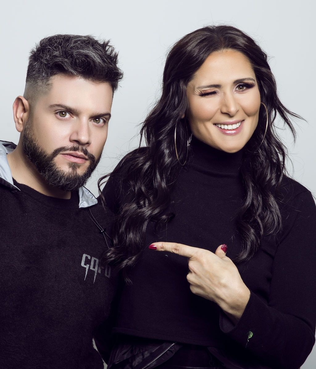 Rosa López posa junto a Alberto Dugarte en una sesión con el fotógrafo Jesús Mayorga